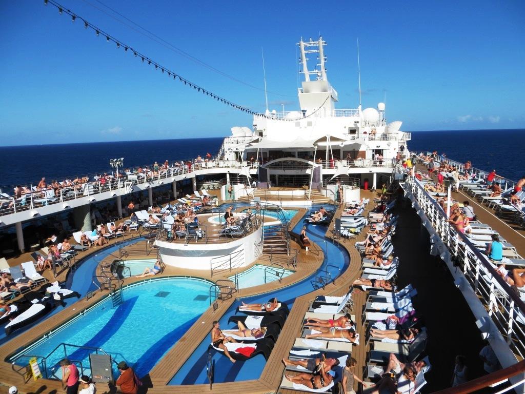 An Deck der Mein Schiff 2
