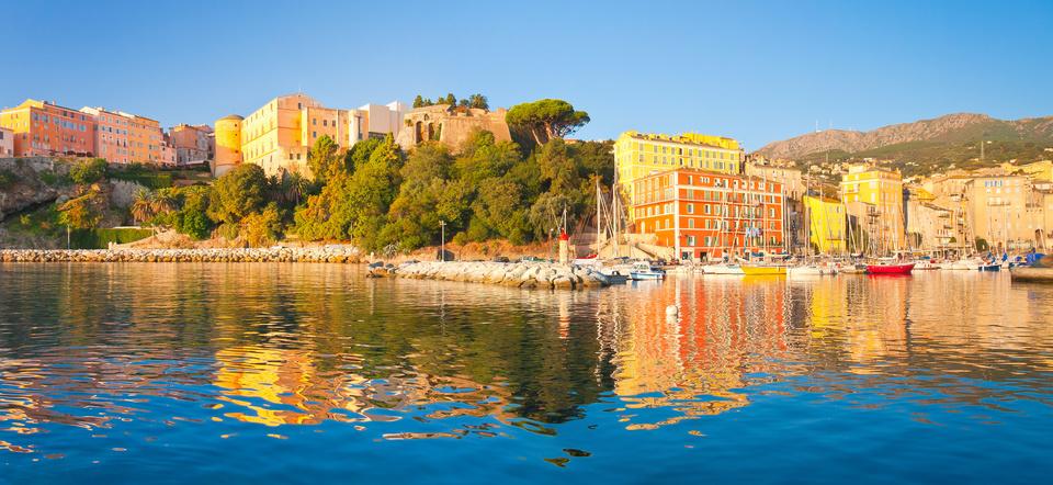 Corse, Bastia, ville haute et port de plaisance