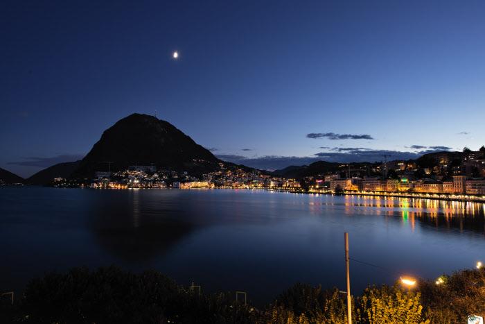 Schweiz. ganz natuerlich. Lichter auf den Golf von Lugano, Tessin. Copyright by Switzerland Tourism By-line: swiss-image.ch/Stephan Schacher