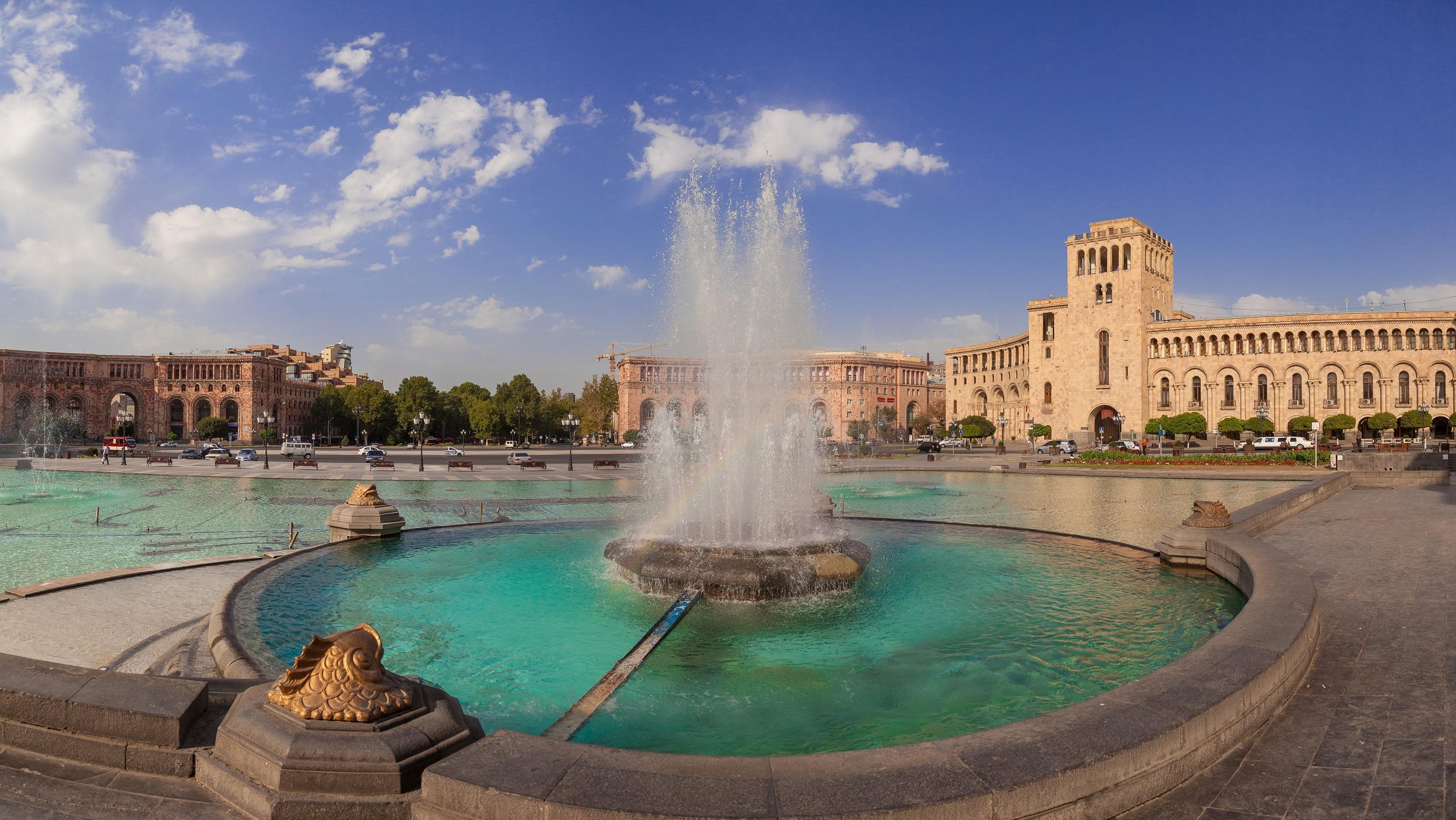 Springbrunnen am Hauptplatz von Jerewan, Armenien